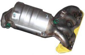Коллектор выпускной с катализатором (Euro IV, Delphi) Geely CK/MK 1016003286