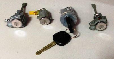 Комплект замков с ключами (хетчбэк) Geely MK-2 1018011447