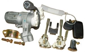 Замки с ключами (комплект) Geely SL 1018015612
