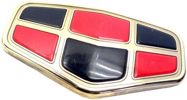 Решетка радиатора, эмблема Geely EC8