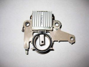 Реле-регулятор генератора коричневый с щетками Chery Amulet A11-3701160BR